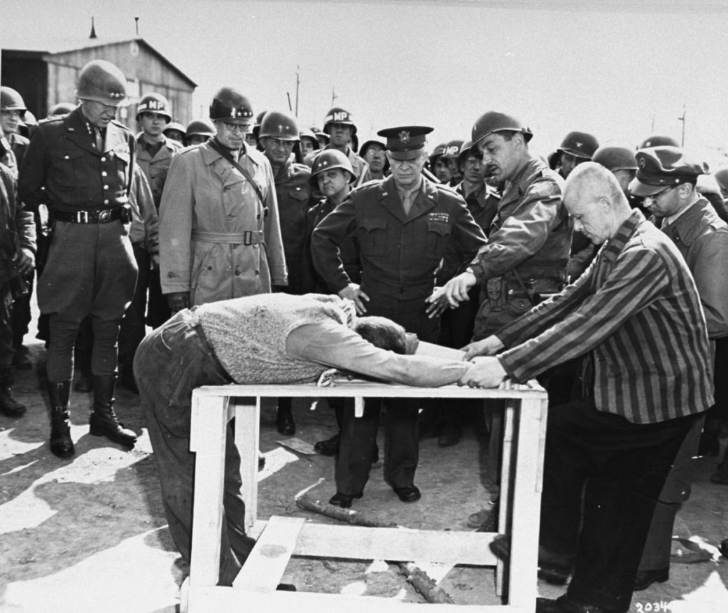 Buchenwald_Eisenhower_torture_demonstration_63511.jpg