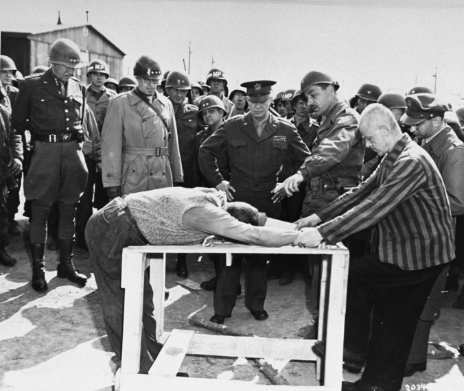 Buchenwald_Eisenhower_torture_demonstration_63511.jpg